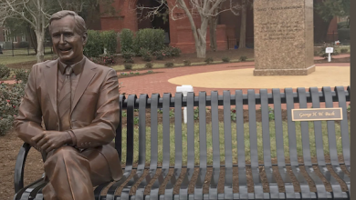 Photo of Hampton University Honoring George H.W. Bush With Statue Sparks Debate