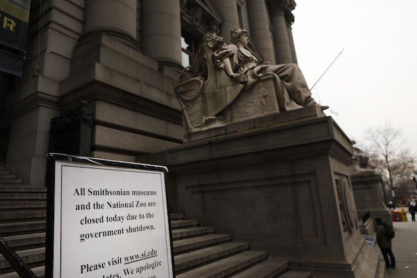 A sign informs visitors that the Smithsonian Institution's National Museum of the American Indian in New York City is closed due to the government shutdown on Jan. 2, 2019 (Spencer Platt/Getty Images)
