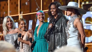 Photo of Michelle Obama Steals Show at Grammys