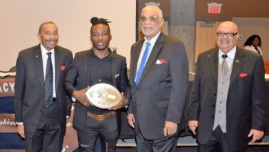 Photo of Pigskin Club Honors D.C. Athletes