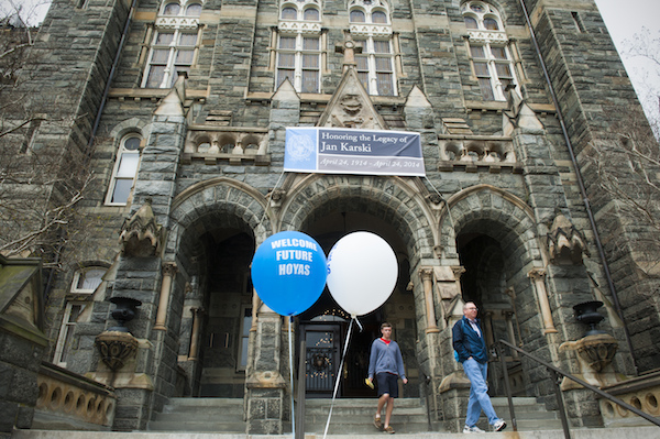 **FILE** Prospective students are welcomed to Georgetown University during the school's Admissions Ambassador Program in Washington, D.C., on April 28, 2014. (Katherine Frey/The Washington Post via Getty Images)