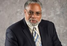 Photo of Smithsonian Regents Name Lonnie Bunch 14th Secretary