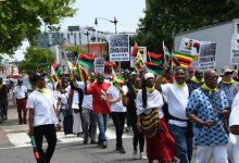 Photo of Zimbabwe Economic Sanctions Protest Reaches White House
