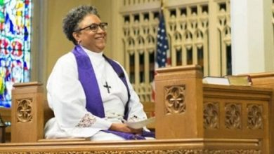 Photo of Episcopal Bishop Breaks Race, Gender Barriers