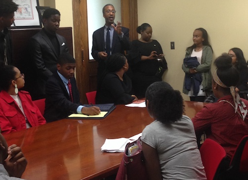 D.C. Council member Kenyan McDuffie meets with Banneker students on May 13. (Sam P.K. Collins/The Washington Informer)