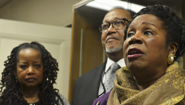 From left: Washington Informer Publisher Denise Rolark Barnes and NNPA President/CEO Dr. Benjamin Chavis join Rep. Sheila Jackson Lee (D- Texas) at a press conference where they advocate for reparations.