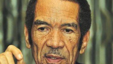 Photo of Ex-Botswana President Mulls Return to Government