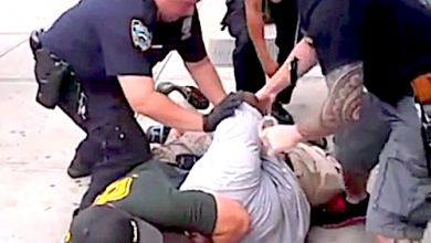 Photo of NYPD Fires Officer for 2014 Choking Death of Eric Garner