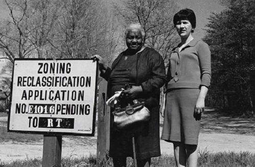 Geneva Mason (left) and Joyce Siegel (Alan Siegel/Montgomery History)
