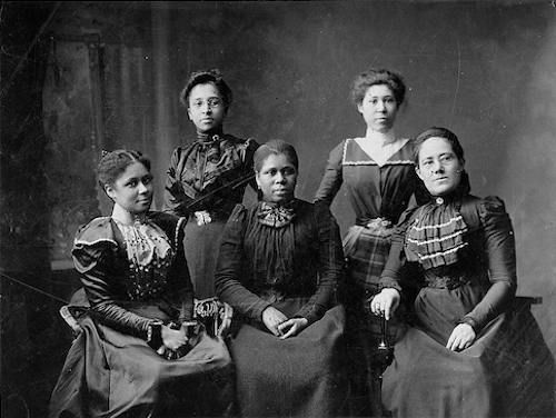 Five women officers of the Women's League (Courtesy of Library of Congress)