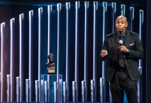 Photo of Dave Chappelle Receives Mark Twain Prize for American Humor