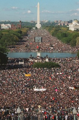 Over a million Black men from across the country assembled on the National Mall on Oct. 16, 1995. (Wikimedia Commons)