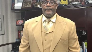 Photo of Pastor Marvin L. Winans, Perfecting Church Mark 30th Year