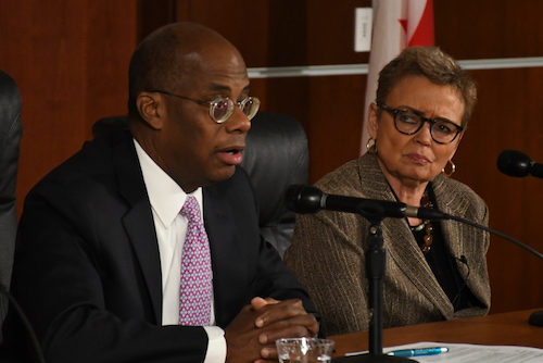 Former Federal Reserve Vice Chairman Roger Ferguson discusses the likelihood of a recession as Sharon Pratt of UDC's Institute of Politics, Policy and History listens. (Roy Lewis/The Washington Informer)
