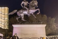Photo of Kehinde Wiley Statue in Richmond Stands Tall Amid Protests