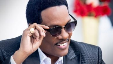 Photo of Charlie Wilson Delivers Early Valentine Gift to Fans