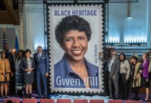 Photo of Gwen Ifill Stamp Unveiling
