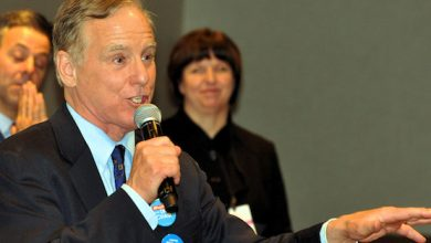 Photo of Former DNC Chair Howard Dean Recalls His 2003 Run for President