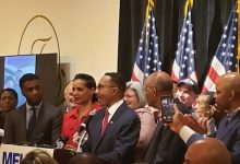 Photo of Kweisi Mfume Secures Win in Md.'s 7th Congressional District Primary
