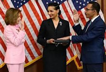 Photo of Kweisi Mfume Sworn in as Congress Member, Rejoins House After 24 Years