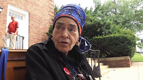 Alyce Gullattee speaks with DC-Women Eco-Leaders. (Screen grab courtesy of Josep Vilageliu via YouTube)