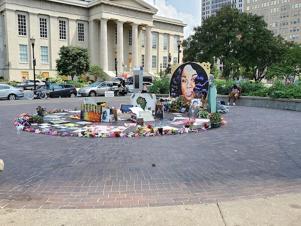 **FILE** A memorial for Breonna Taylor, a a 26-year-old Black woman who was fatally shot in her Louisville, Kentucky, apartment on March 13, 2020, is seen here in Jefferson Square in Louisville. (FloNight via Wikimedia Commons)