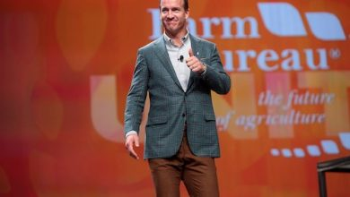 Photo of Peyton Manning Endows 6 HBCU Scholarships