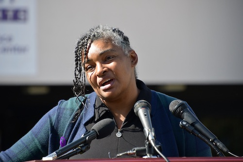 Stella Hargrove gives emotional remarks Oct. 14 on how she survived physical and emotional abuse from her ex-husband. (Anthony Tilghman/The Washington Informer)