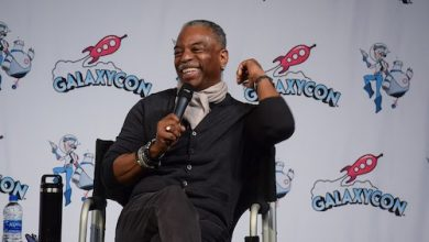 Photo of Fans Petition for LeVar Burton to Replace Alex Trebek on 'Jeopardy!'