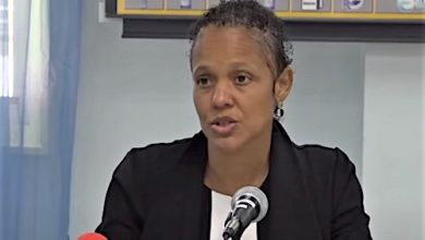 Photo of Barbados' Bradshaw Encourages Students to Give Back to Society
