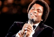 Photo of Charley Pride, 86, Country Music's 1st Black Superstar, Dies From Coronavirus-Related Complications