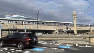 Photo of Displeasure Felt Toward Metro's Service-Cuts Plan