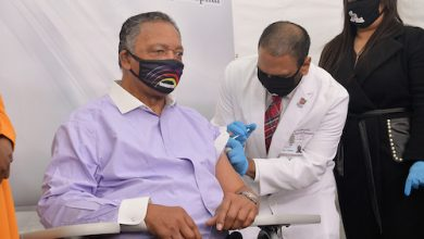 Photo of JESSE JACKSON: Scientific Community Must Reach Out to African Americans to Bolster Confidence in Vaccine