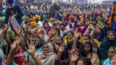 Photo of Counterprotesters Lash Out at Celebs Who Posted Support for India's Farmers