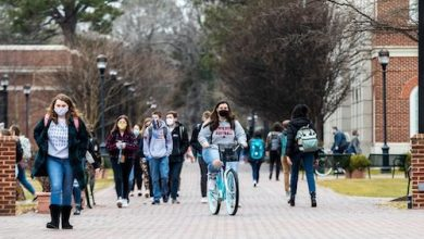 Photo of Virginia College Blames Students for COVID-19 Surge