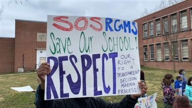 Photo of Robert Montessori Parents, Students Rally to Keep Students at Their School