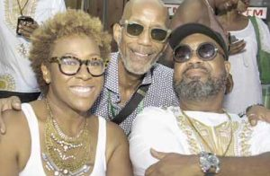 Husband-and-wife duo Kindred the Family Soul speak with Washington Informer Editor D. Kevin McNeir (center) after their 2016 performance at CD Enterprises, Inc.'s annual event, Summer Spirit Festival, in Columbia, Md., at the Merriweather Pavilion. (Shevry Lassiter/The Washington Informer)
