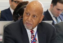 Photo of Longtime Rep. Alcee Hastings, 84, Dies After Battle with Cancer