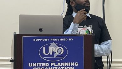 D.C. Council member Trayon White (D-Ward 8) hosts a violence prevention meeting at United Planning Organization Anacostia Community Service Center in D.C. on Aug. 19. (Anthony Tilghman/The Washington Informer)