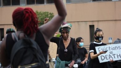 Citizens protest upcoming evictions. (WI photo)
